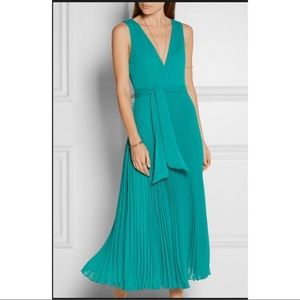 Alice & Olivia Ryan pleated crepon dress